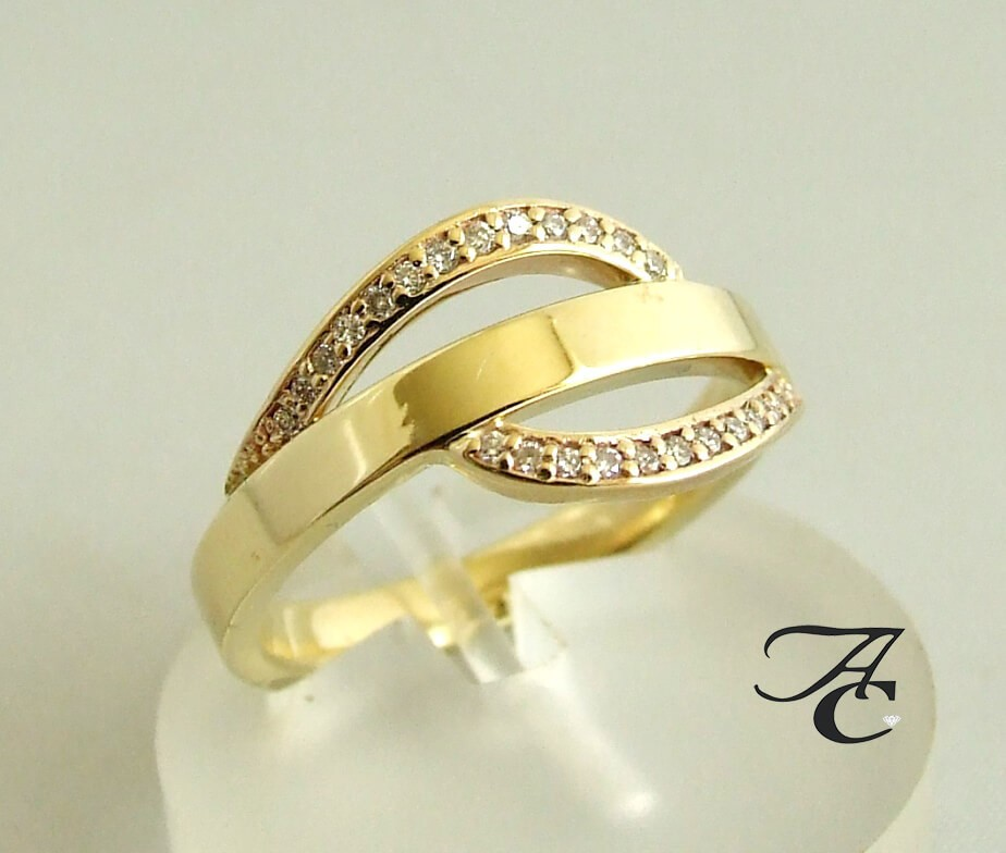 Afbeelding van Atelier Christian 14 karaat ring met diamanten geel goud