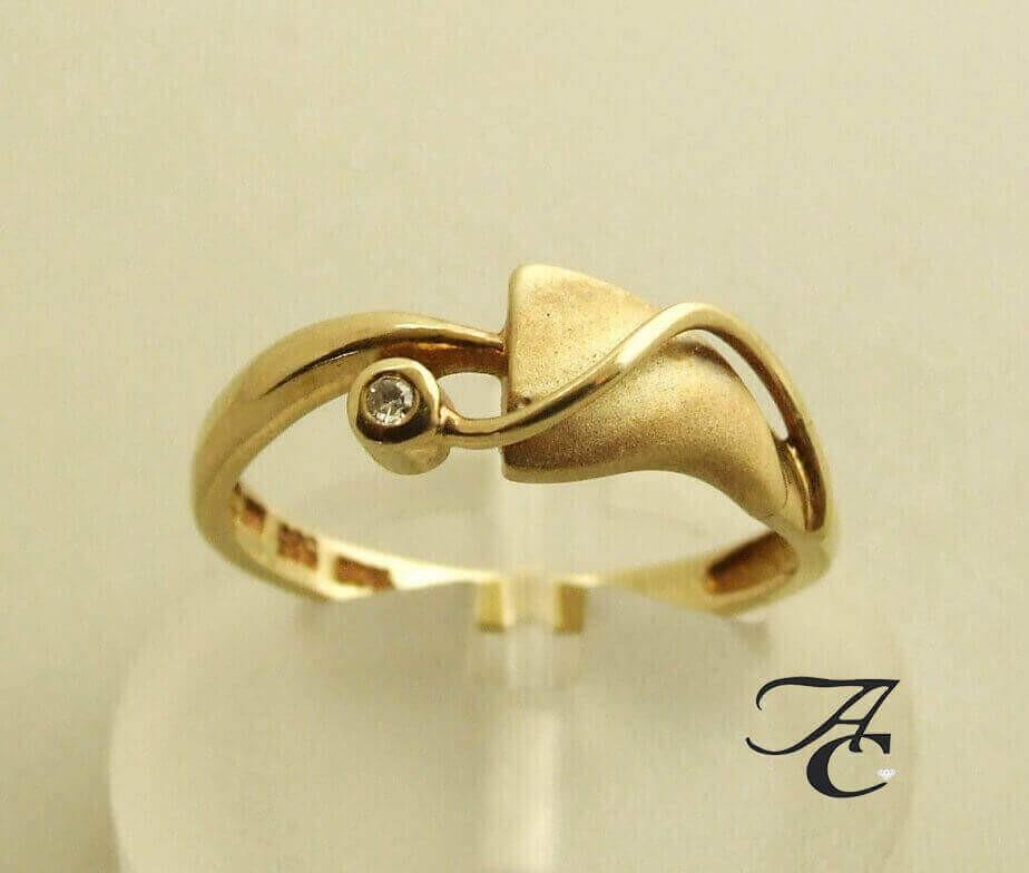 Afbeelding van Atelier Christian 14 karaat ring met diamant geel goud