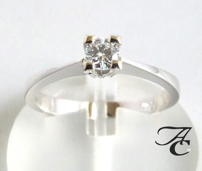 Afbeelding van Atelier Christian 14 karaat ring met diamant wit goud