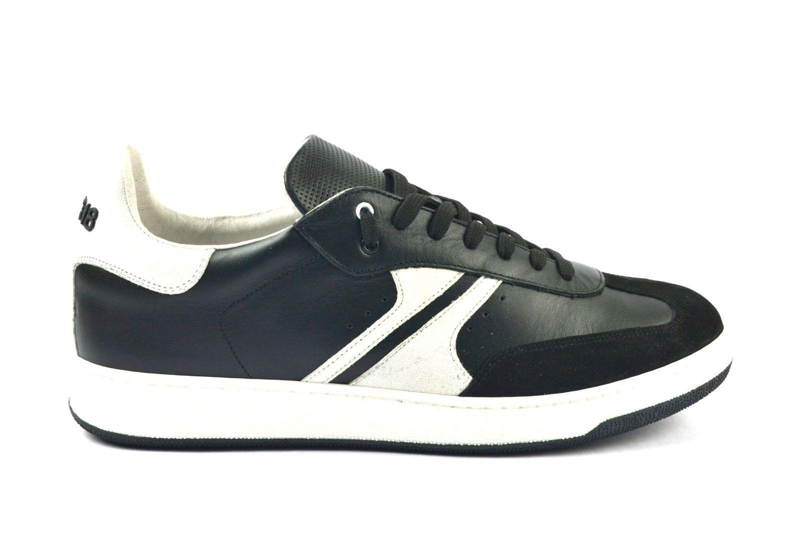 Afbeelding van AM318 Sneakers zwart