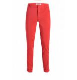 NickJean Broeken rood