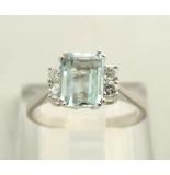 Christian Ring met aquamarijn en diamant wit goud