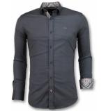 Tony Backer Bijzondere overhemden