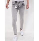 True Rise Slim fit jeans 2610