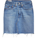 Levi's Bfly denim skirt stuck in the middle