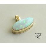 Atelier Christian Gouden hanger met opaal