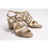 Paul Green 7119-002 sandalen goud