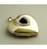 Christian Gouden harten medaillon met diamanten en onyx