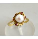 Christian Gouden ring met parel en robijn geel goud