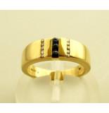 Christian Ring met saffier en diamanten geel goud