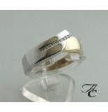 Atelier Christian Geel en wit- gouden ring met briljanten