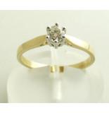 Christian Geel gouden diamanten ring met klauwzetting