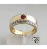 Atelier Christian Gouden ring met diamanten en robijnen hart geel goud