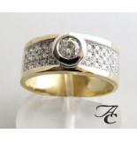 Atelier Christian Bicolor ring met briljant geslepen diamanten geel goud