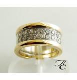 Atelier Christian Ring met diamanten geel goud