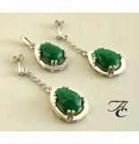 Atelier Christian Hanger en oorbellen met jade en briljant wit goud