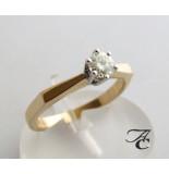 Atelier Christian Geel gouden ring met solitair briljant wit goud