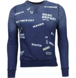 Bread & Buttons Crew text borduur blauw
