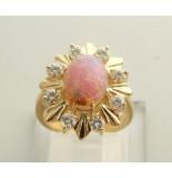 Christian Ring met opaal en diamant geel goud