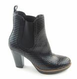 YKX & Co Korte laarzen zwart