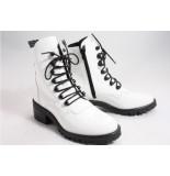 Nubikk Djuna cone patent white lak biker boots wit