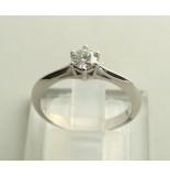 Atelier Christian 14 karaat ring met diamant wit goud