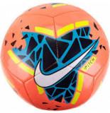 Nike Voetbal pitch bright mango geel